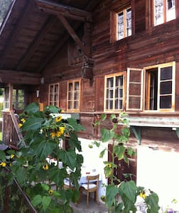 400 Year Chalet, Interlaken/Gstaad - House