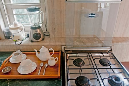 CP 24/7 Security - Charm - Terrace - New Delhi - Appartement