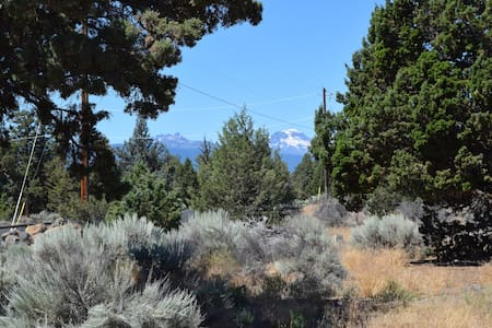 Camp in Bend on an acre w/mtn views - Sátor