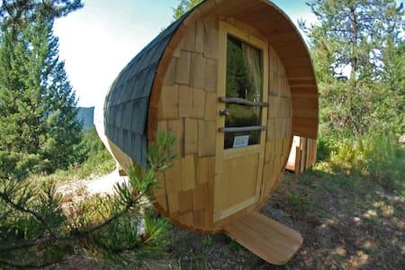 Barrel Cabins on Organic Farm #3 - Greenwood - Hut