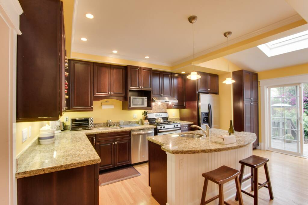 4 bedroom in trendy Bernal Heights