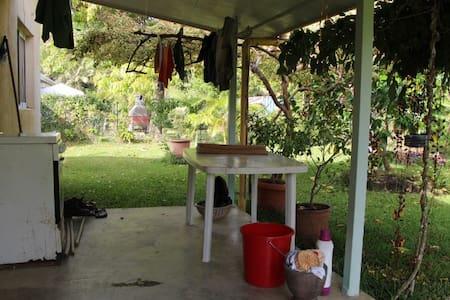 Villa sur 10 ares tres calme - House