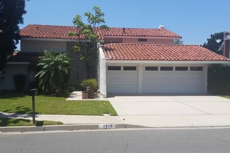 Newly Remodeled Home in Placentia - Placentia - Hus