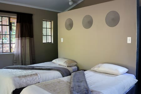 En-suite Twin Room, Lidwala Lodge - Bed & Breakfast