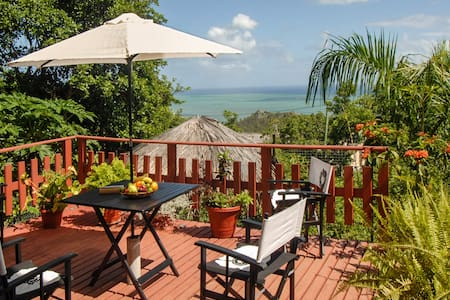 Villa with garden and stunning view - Port Mathurin - Casa