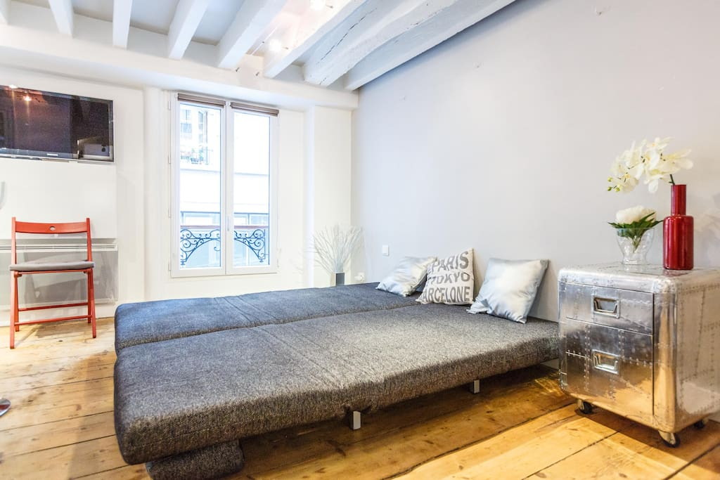 Montmarte Best Deal Cosy and New