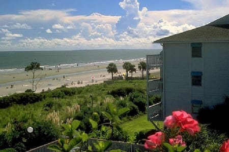 HILTON HEAD BEACHFRONT VILLA...