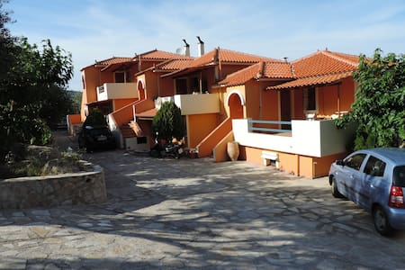 Ktima Demertzi - Ancient Epidavros - Haus
