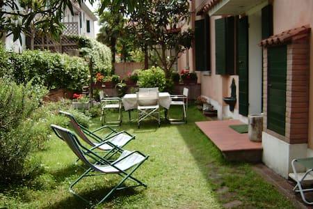 Villetta  con giardino autonomo - Lido Venezia