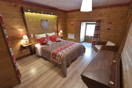 Angélique, chambre d'hôtes spacieuse - Bed & Breakfast