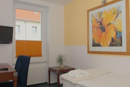 City Hotel-Pension Einzel / Single - Brandenburg an der Havel