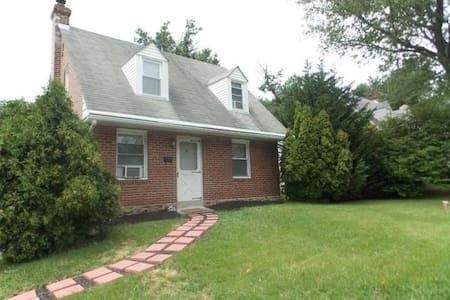 Home Near Philadelphia 9/25-9/28/15 - House