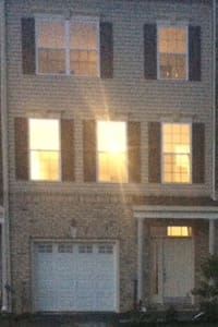 Beatiful three story townhouse. - Middletown - House