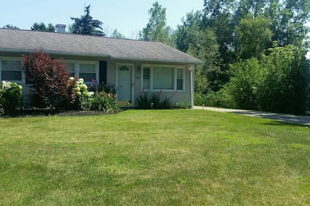 Sandusky Vacation Oasis Rental Home - House