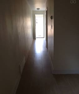 Cute room in the dynamic Eglinton neighbourhood. 7 minute walk to subway. You'll have two charming roommates: a Jamaican-Canadian girl and Canadian girl! Plus, the house is newly renovated and clean! Free laudry (1 load per week).