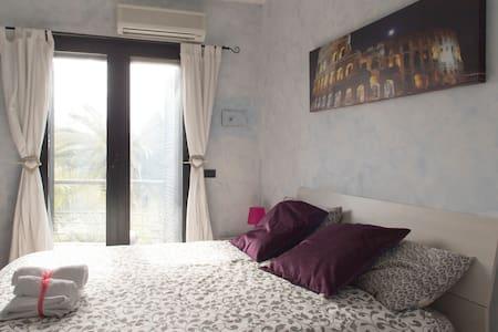 stanza margherita - Ciampino