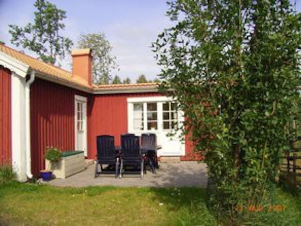 Trevlig stuga i jälluntofta   zomerhuisjes/cottages te huur in ...