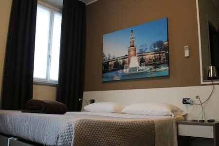 Simple,Clean and Comfortable Rooms - Milan - Bed & Breakfast