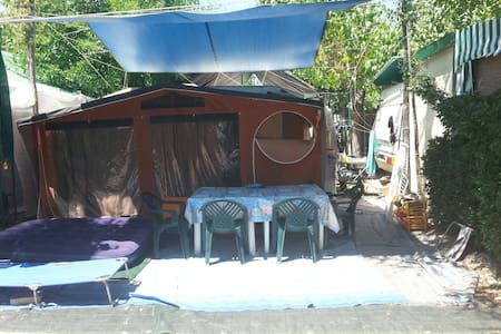 Roulotte+tenda Camping Verde Mare - Marina Palmense