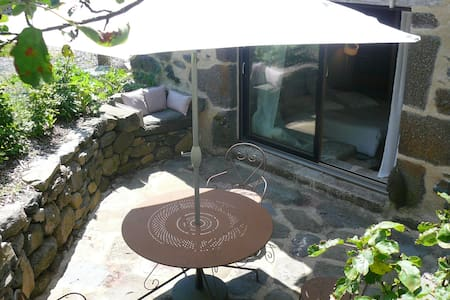 Chambre: Capricieuse - Laguiole - Bed & Breakfast