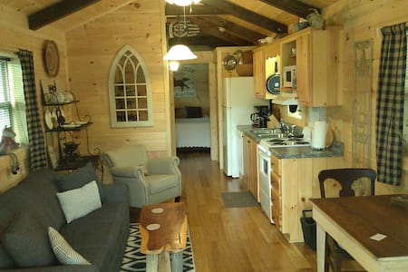 GREEN CREEK CABINS # 3 - Chalet