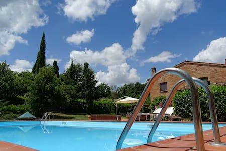 Country House in the Crete Senesi - Asciano - Chiusure - Monte Oliveto Maggiore - House