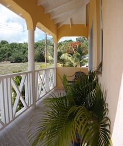 Cosy 1 Bdrm Apt, near great beach - Lower Carlton - Dom