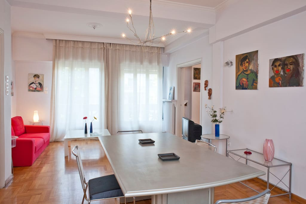 Stay at the heart of Athens (100m²)