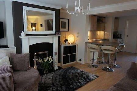 Spacious Light Double Room