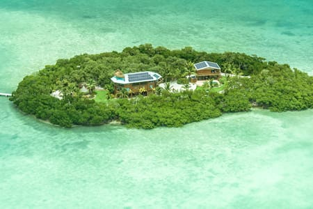 Private Island next to Key West - Pulau