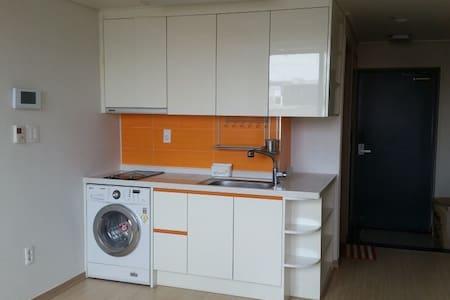 Full option convenient apt - Apartamento