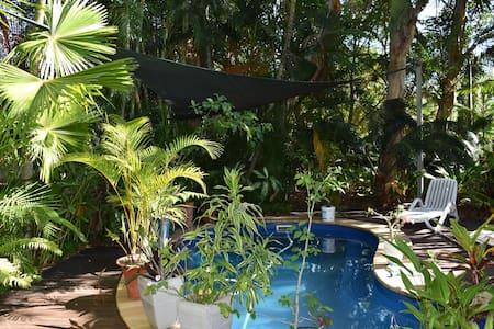 Tropical Hideaway  - Magnetic Island - House