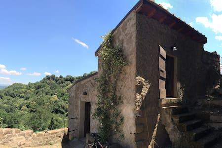 Maison de campagne avec jardin et terrasse - Bomarzo - House