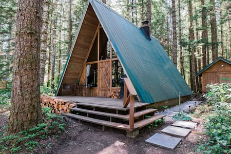 Wooded Paradise near Mount Rainier - Hus