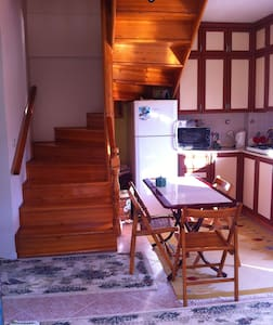 Room type: Private room Property type: House Accommodates: 5 Bedrooms: 1 Bathrooms: 2