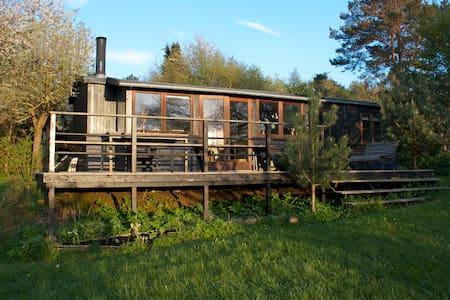 Sommerhus tæt på vandet - Casa de campo