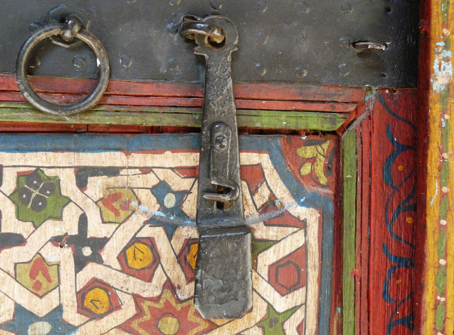 Details of the Marrakesh suite doors
