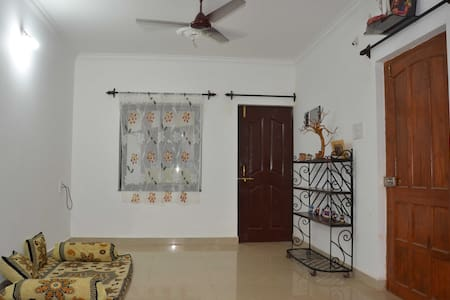 Spacious Apartment with a View, Goa