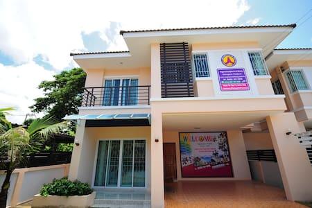 Holiday Home Tasala Chiangmai 1 - อำเภอเมือง  - Rumah