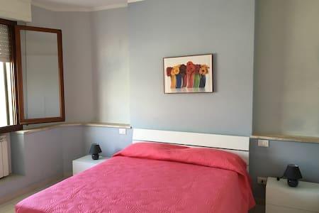 Comodo appartamento a Pontedera - Apartemen
