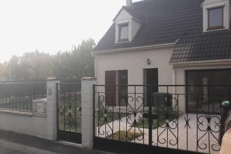 Chambre - House