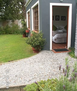 Modern,Spacious,Private Guesthouse - George - Bed & Breakfast