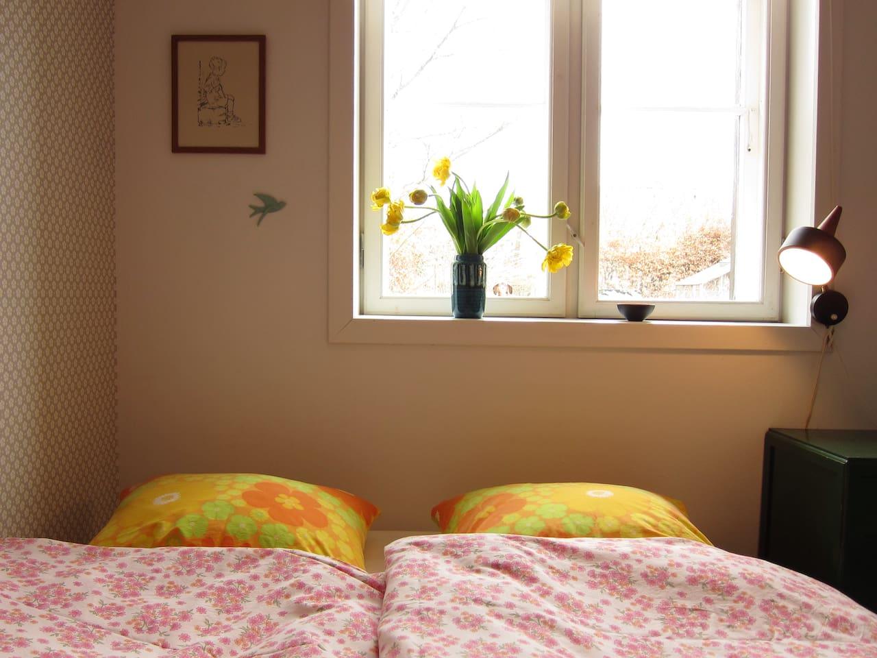 """Sommer's House """"The Flowered Room"""""""