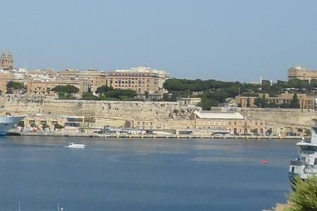 Waterfront Apartment - Senglea - Daire