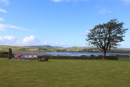 Overlooking the Isle of Doagh - Casa