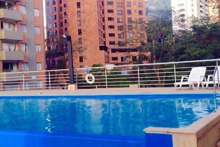 MDE Room El Poblado, Gym & Pool (3)