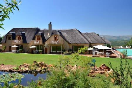 Steynshoop Mountain Lodge - Bed & Breakfast