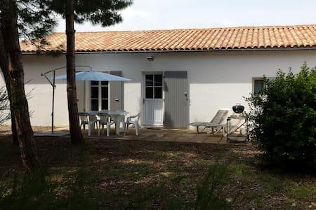 Maison située 500 m de la plage - Haus