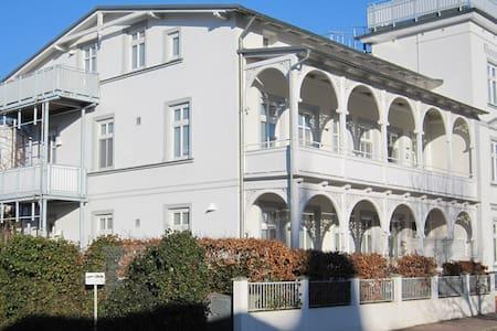 4-Sterne Appartement in einer Villa Concordia - Appartement