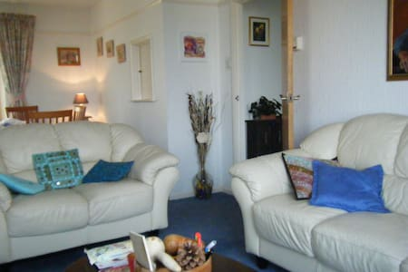 Guest room Cornwall-sleeps 1or2 -panoramic views!! - Bed & Breakfast